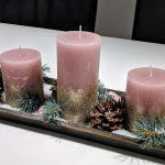 Adventskranz mit rosa Kerzen