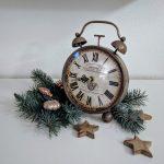 Uhr dekoriert